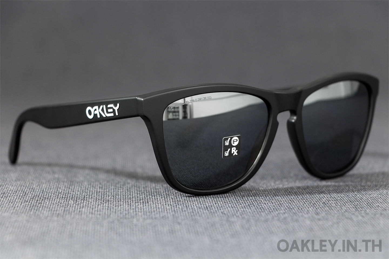 8e8ffc2f6989e OAKLEY FROGSKINS Matte Black Black Iridium Polarized