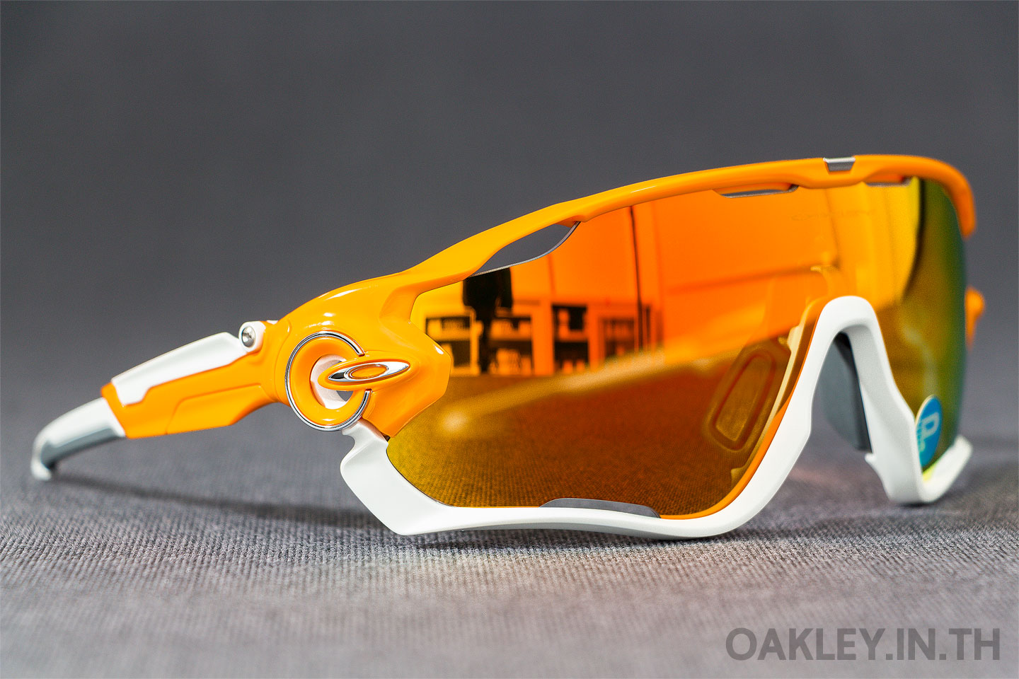 36e53cae60 OAKLEY JAWBREAKER Atomic Orange Fire Iridium Polarized