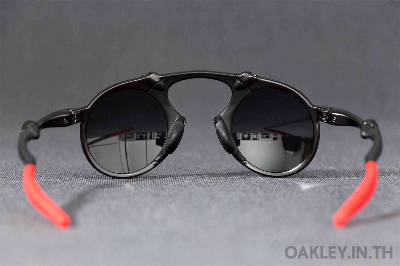 2b14ba8687 OAKLEY MADMAN Scuderia Ferrari Collection Dark Carbon Black Iridium  Polarized